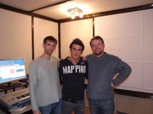 Осчастливленный аудиостоповцами Пётр в только что законченной студии