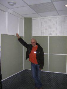 Позади два месяца напряженной работы. Кабина по проекту Мастера брусков - построена.