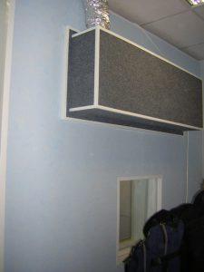 Чуть чуть двери + чуть чуть окошка + чуть чуть глушителя = кабина.