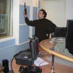 После окончательной отделки, проводятся контрольные измерения акустических параметров. Сергей Царский делает замер времени реверберации.
