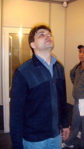 Директор Радио ФИНАМ Олег Медведев - принимает работу. Прораб Ваге Агабабян терпел, но закончил работу