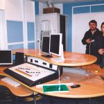 Мастер, делавший стол - Кирилл Туркельтауб(слева) и дизайнер, автор дизайн-проекта Сергей Самойлов(справа). Заслуженные бойцы Аудиостопа!
