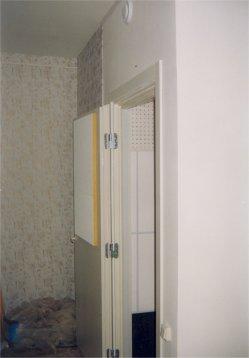 В кабине установлена акустическая дверь со звукоизоляцией 40 дБ