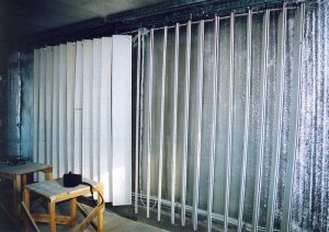 Формирование системы поглощения на боковой стене.