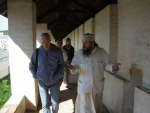 Мастер Брусков и св. Андрей Лоргус в общении